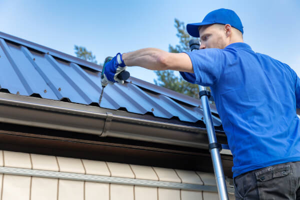 Best Roof for Your Saltbox Home